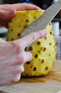 How to Cut a Pineapple - The Scratch Artist
