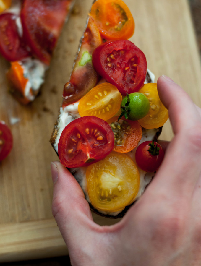 An Ode to The Summer Tomato & Fresh Baked Bread