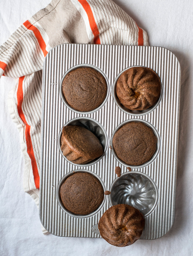 Mini Buttercup Squash Spice Cakes & A Baking Contest